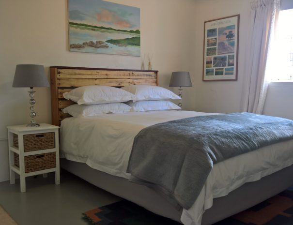 Fig cottage queen bed